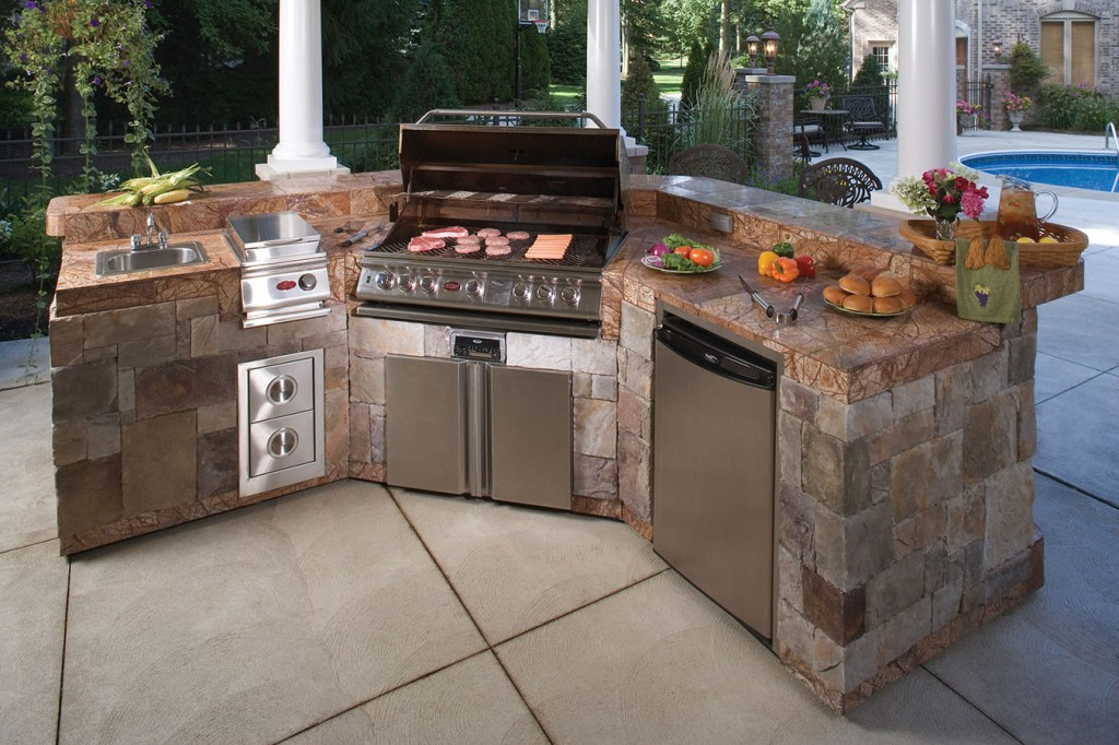 Outdoor bbq island designs for Backyard barbecues outdoor kitchen