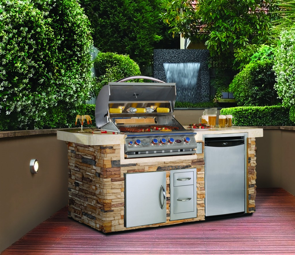Cal Flame Outdoor Kitchen